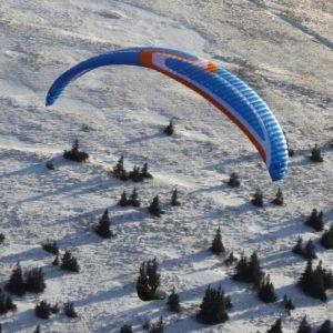 Voile de parapente bleue Exos de Skyparagliders