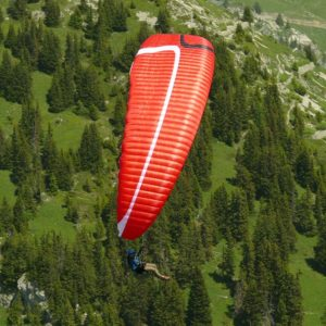 Voile de parapente rougeStelvia de la marque MCC Aviation