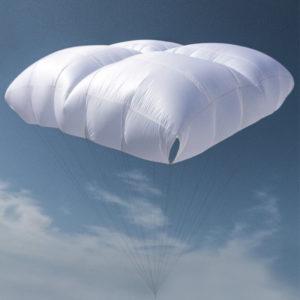 Parachute de secours Yeti cross de la marque Gin en vol