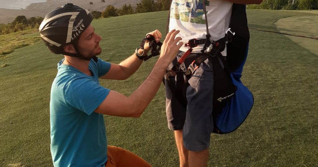 Lucas, moniteur de parapente pour air et aventure académie