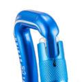 Ouverture du mousqueton auto bleu de Kortel