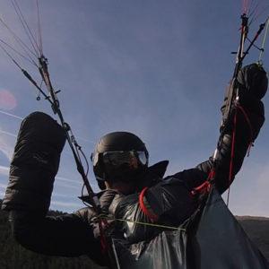 Manchon de parapente en vol de la marque windsriders
