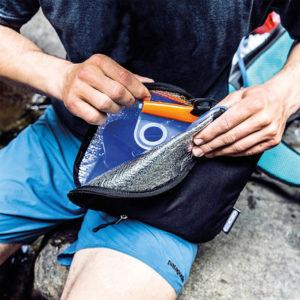 Poche à eau Atrack Hydration System Ortlieb dans un sac