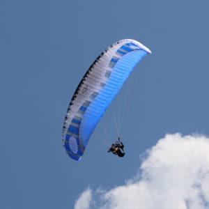 Voile de parapente bleue Orca 5 de la marque Dudek